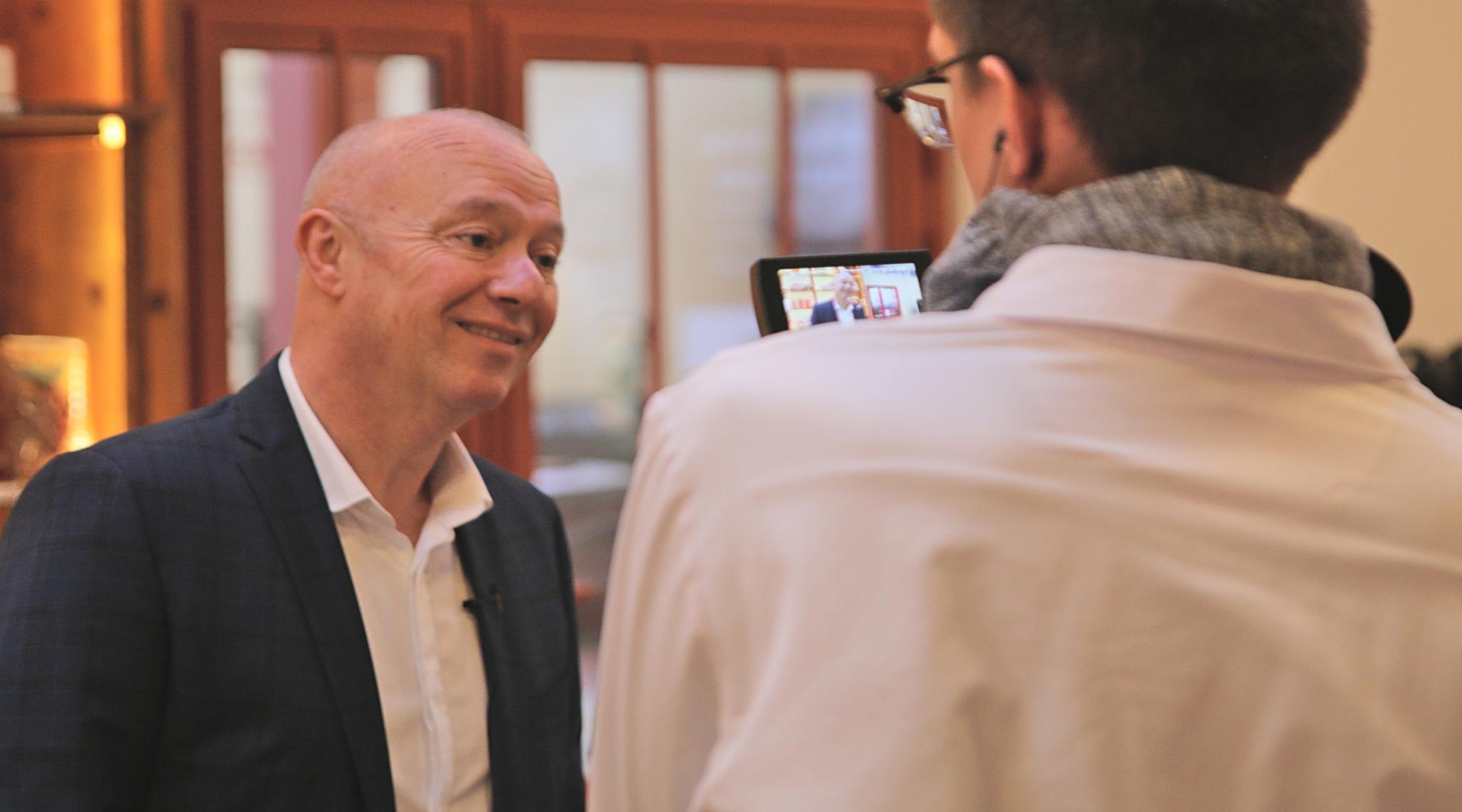 Le Professeur François André ALLAERT interviewé par France 3